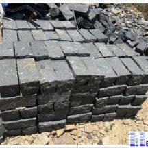 Đá cubic cây đen KT 10x10x20cm lát sân vườn MT-IMG0384