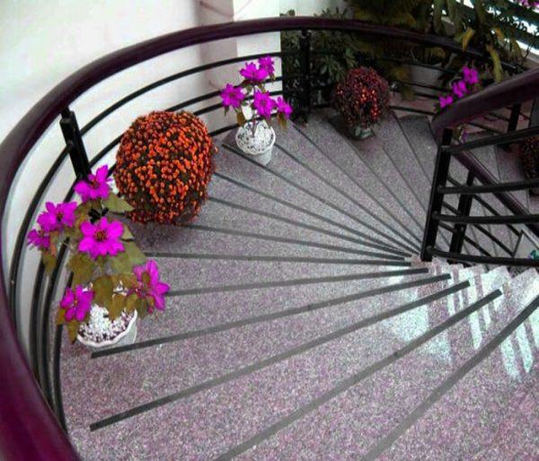 Đá granite - vật liệu ốp cầu thang được ưa chuộng nhất