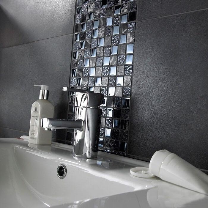 Đá mosaic thuỷ tinh: nét kỳ ảo cho không gian phòng tắm