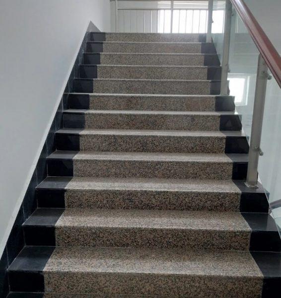 Những mẫu đá làm cầu thang đẹp 2020 bạn đang kiếm tìm-7